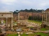 Scenery where Arch of Triumph in Foro Romano is seen
