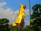 Monument like golden mantle